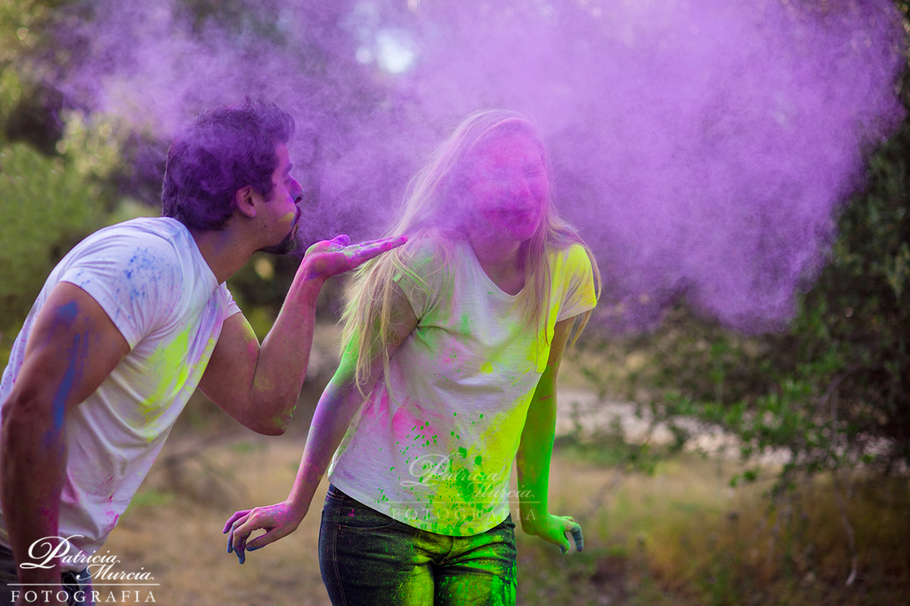 holi powder engagement